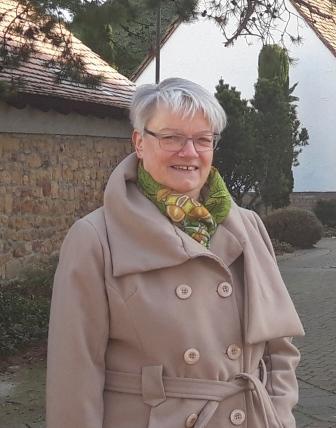 Angelika Burkert